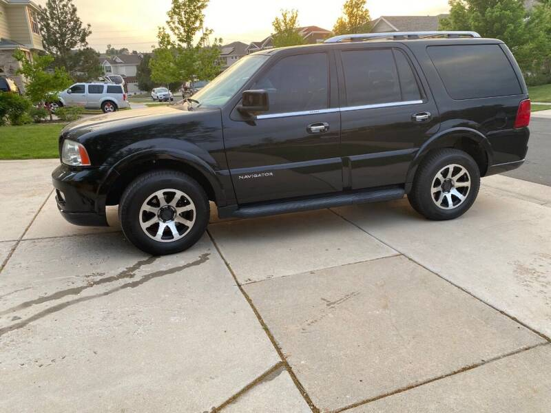 2005 Lincoln Navigator for sale at AROUND THE WORLD AUTO SALES in Denver CO