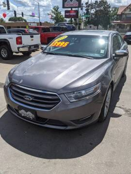 2014 Ford Taurus for sale at Corridor Motors in Cedar Rapids IA