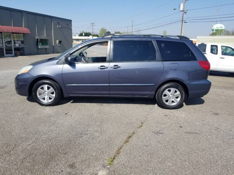 2006 Toyota Sienna for sale at 4M Auto Sales | 828-327-6688 | 4Mautos.com in Hickory NC