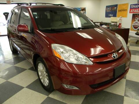 2008 Toyota Sienna for sale at Lindenwood Auto Center in St.Louis MO