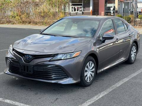 2020 Toyota Camry Hybrid for sale at MAGIC AUTO SALES in Little Ferry NJ