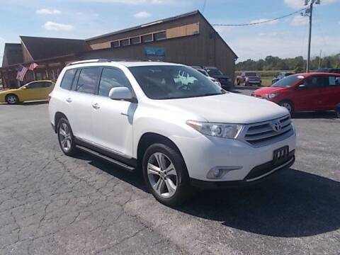2013 Toyota Highlander for sale at Dean's Auto Plaza in Hanover PA