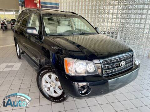 2003 Toyota Highlander for sale at iAuto in Cincinnati OH