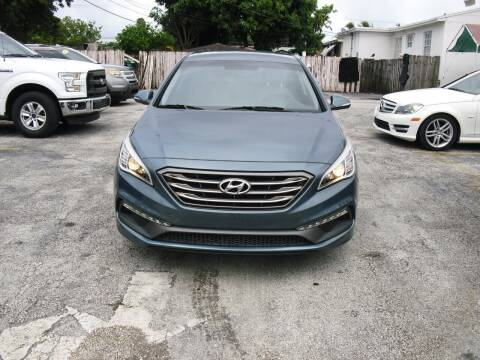 2016 Hyundai Sonata for sale at SUPERAUTO AUTO SALES INC in Hialeah FL