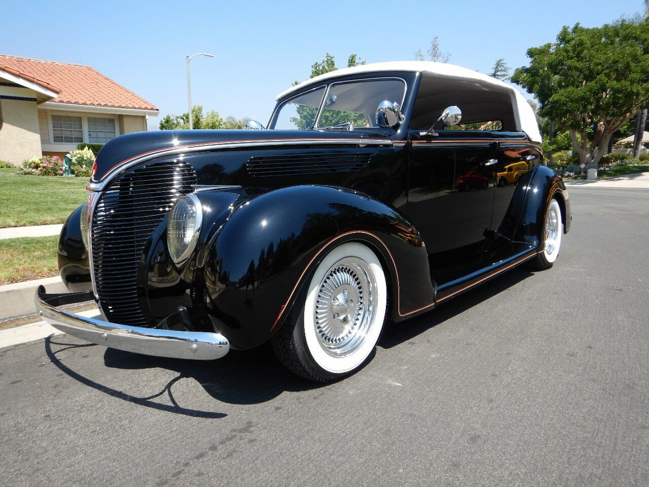 1938 Ford Cabriolet 1