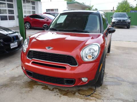 2013 MINI Countryman for sale at Auto Outlet Inc. in Houston TX