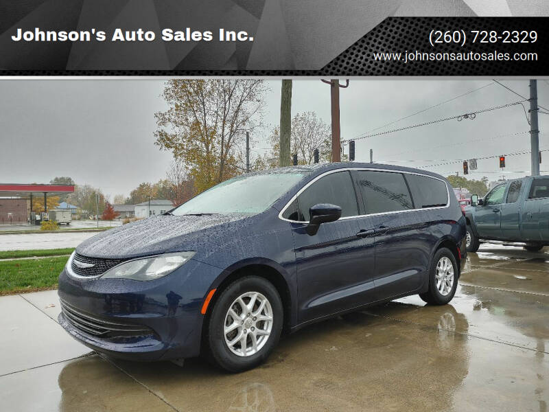 2017 Chrysler Pacifica for sale at Johnson's Auto Sales Inc. in Decatur IN
