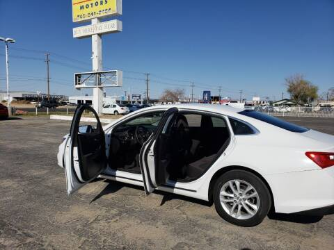 2018 Chevrolet Malibu for sale at ELITE MOTORS in Victorville CA