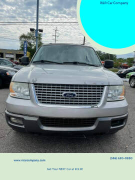 2004 Ford Expedition for sale at R&R Car Company in Mount Clemens MI