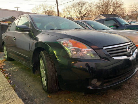 2008 Nissan Altima for sale at GREENLIGHT AUTO SALES in Akron OH