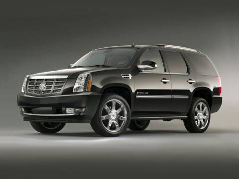 2013 Cadillac Escalade for sale at CHEVROLET OF SMITHTOWN in Saint James NY