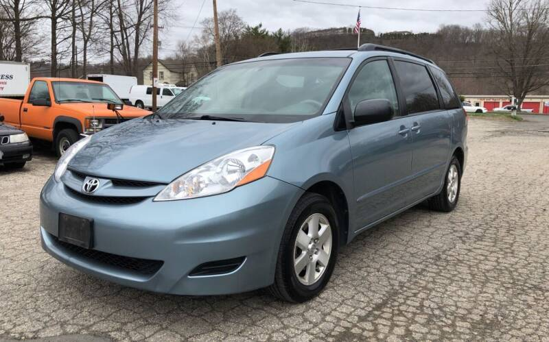 2007 Toyota Sienna for sale at Used Cars 4 You in Carmel NY