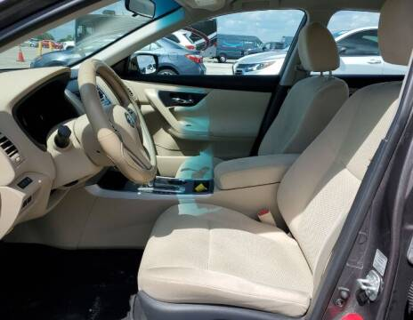 2015 Nissan Altima for sale at CarGeek in Tampa FL