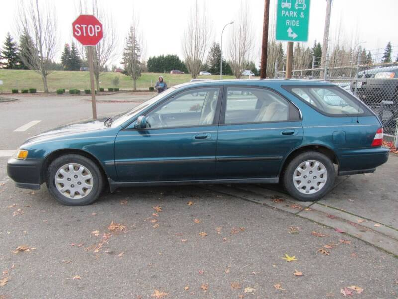 1995 Honda Accord for sale at Car Link Auto Sales LLC in Marysville WA