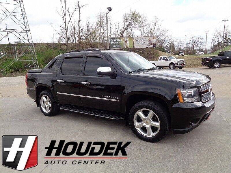 2012 Chevrolet Avalanche for sale in Marion, IA