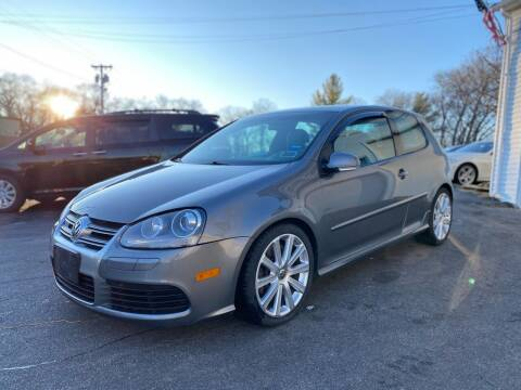 2008 Volkswagen R32 for sale at SOUTH SHORE AUTO GALLERY, INC. in Abington MA