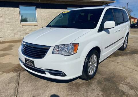 2013 Chrysler Town and Country for sale at Auto House of Bloomington in Bloomington IL