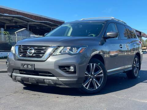 2018 Nissan Pathfinder for sale at MAGIC AUTO SALES in Little Ferry NJ