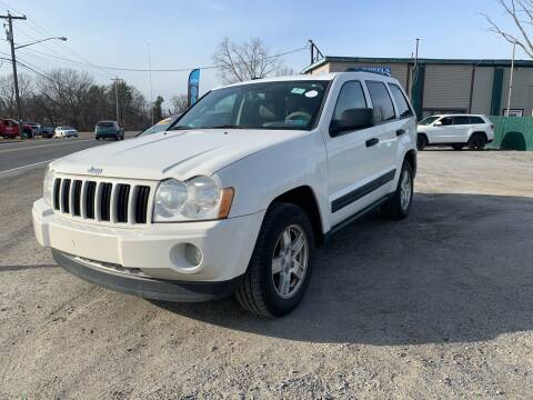 2006 Jeep Grand Cherokee for sale at E's Wheels Auto Sales in Hudson Falls NY