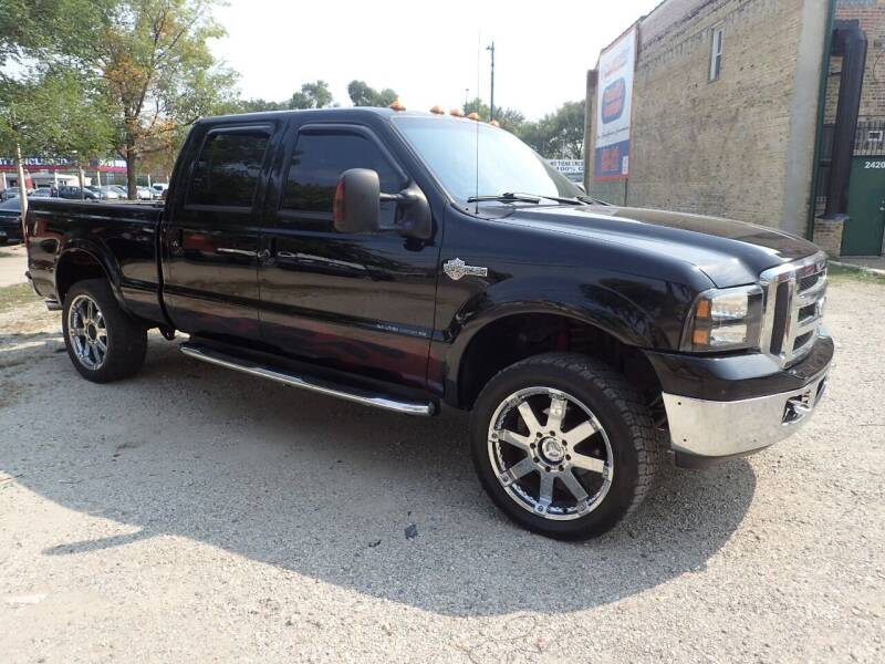 2005 Ford F-250 Super Duty for sale at OUTBACK AUTO SALES INC in Chicago IL