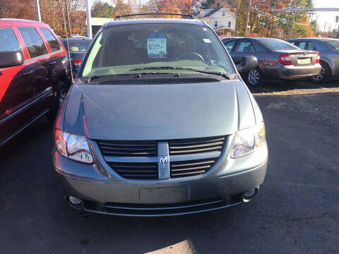 2007 Dodge Grand Caravan for sale at Whiting Motors in Plainville CT