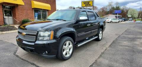 2007 Chevrolet Avalanche for sale at Russo's Auto Exchange LLC in Enfield CT