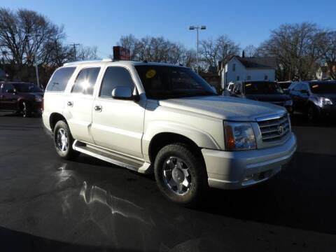 2005 Cadillac Escalade for sale at Grant Park Auto Sales in Rockford IL