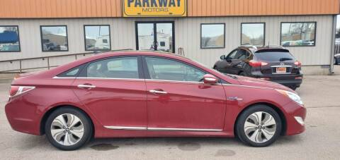 2014 Hyundai Sonata Hybrid for sale at Parkway Motors in Springfield IL
