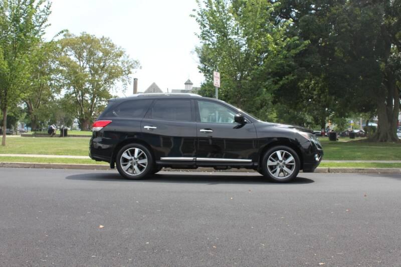 2014 Nissan Pathfinder for sale at Lexington Auto Club in Clifton NJ
