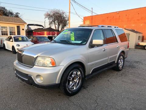 2003 Lincoln Navigator for sale at LINDER'S AUTO SALES in Gastonia NC