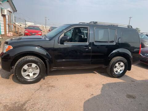 2006 Nissan Pathfinder for sale at PYRAMID MOTORS - Fountain Lot in Fountain CO