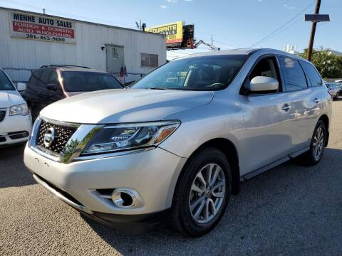 2013 Nissan Pathfinder for sale at MENNE AUTO SALES LLC in Hasbrouck Heights NJ