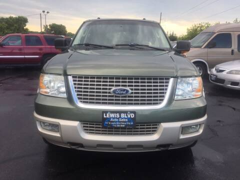 2005 Ford Expedition for sale at Lewis Blvd Auto Sales in Sioux City IA