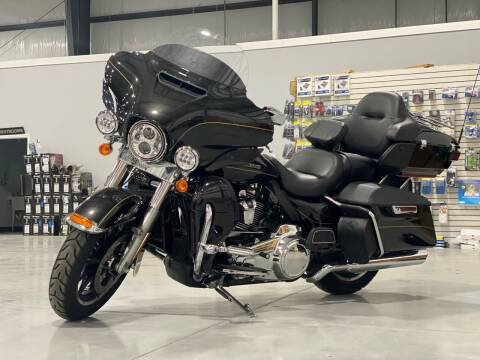 2017 Harley-Davidson FLHTK for sale at SEMPER FI CYCLE in Tremont IL