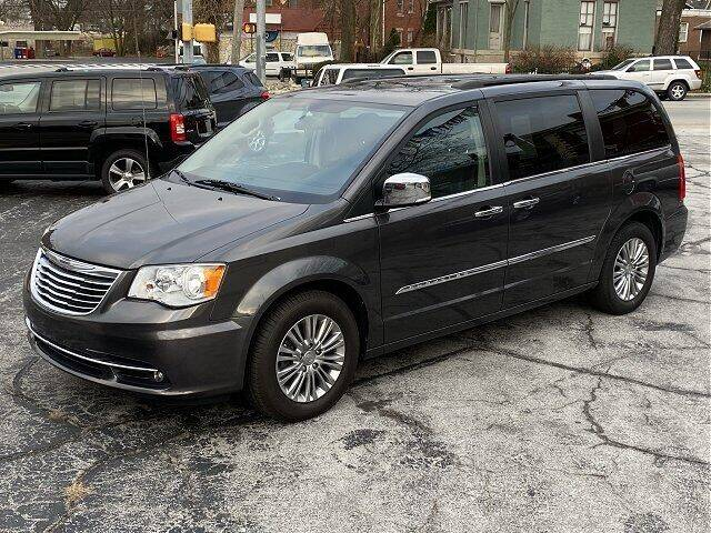 2016 Chrysler Town and Country for sale at Sunshine Auto Sales in Huntington IN