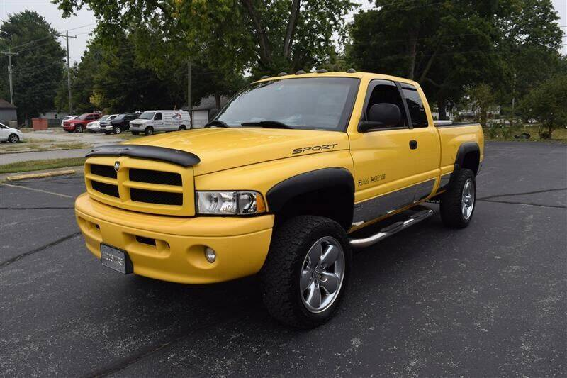 2000 Dodge Ram Pickup 1500 for sale at Hometown Custom Auto in Martinsville IN