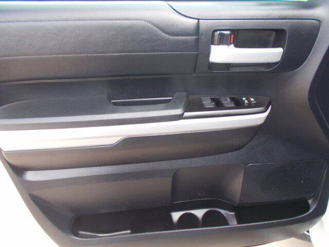 2018 Toyota Tundra 4x4 Limited 4dr CrewMax Cab Pickup SB (5.7L V8 FFV) - Pratt KS