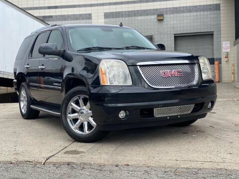 2009 GMC Yukon for sale at Illinois Auto Sales in Paterson NJ