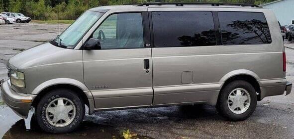 2001 GMC Safari for sale at JEREMYS AUTOMOTIVE in Casco MI