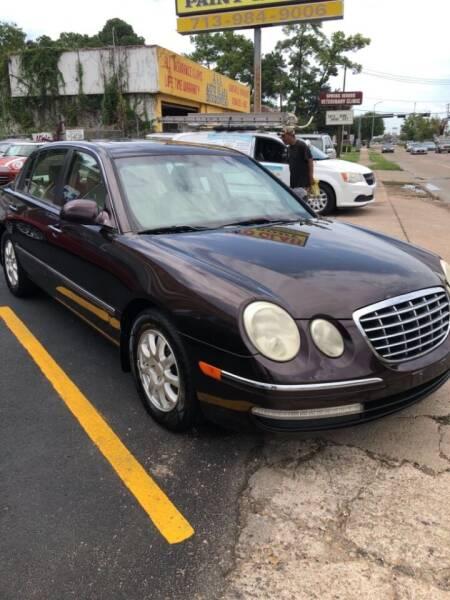 2008 Kia Amanti for sale at 4 Girls Auto Sales in Houston TX