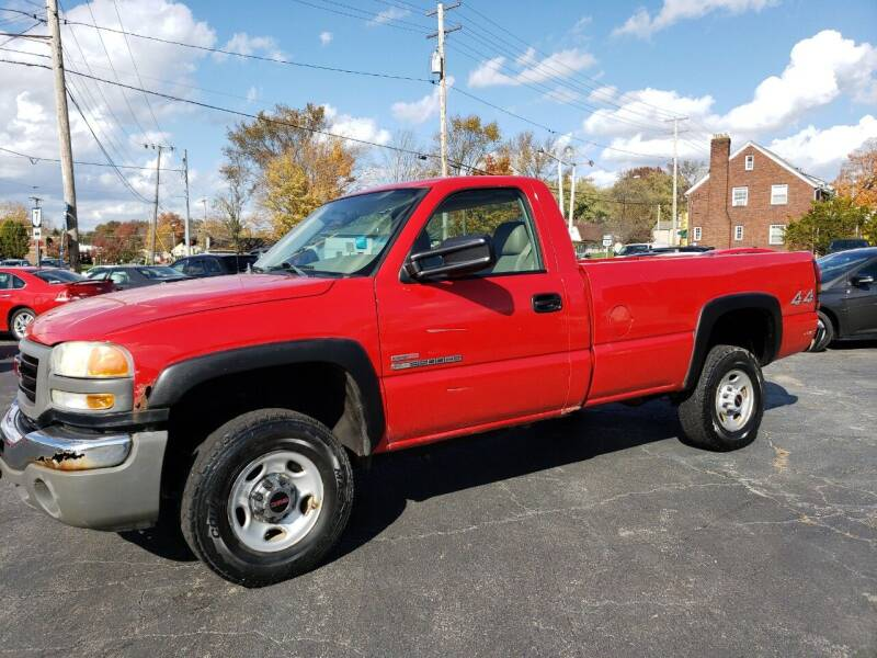 2004 GMC Sierra 2500HD for sale at COLONIAL AUTO SALES in North Lima OH