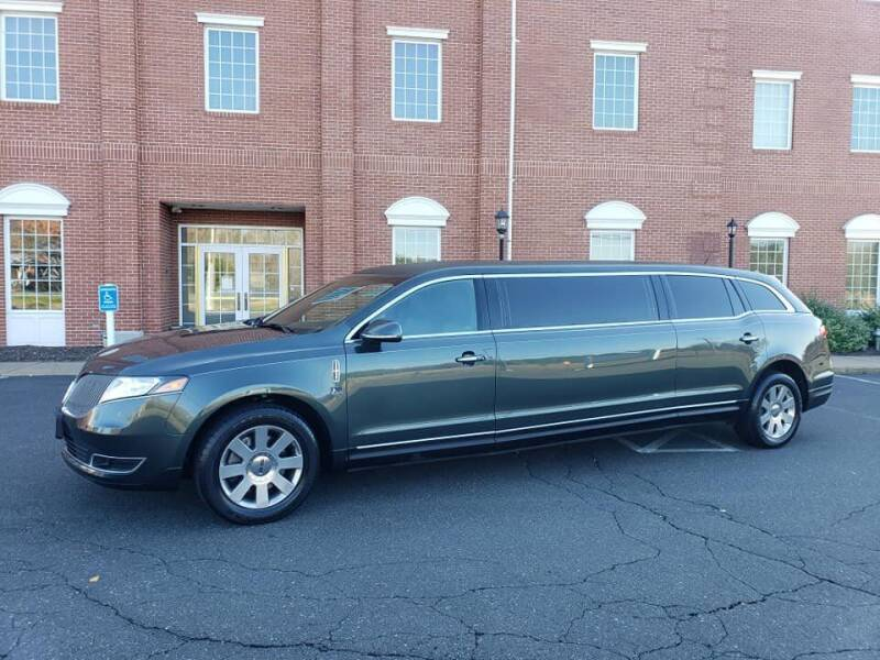 2015 Lincoln MKT Town Car for sale at Massirio Enterprises in Middletown CT