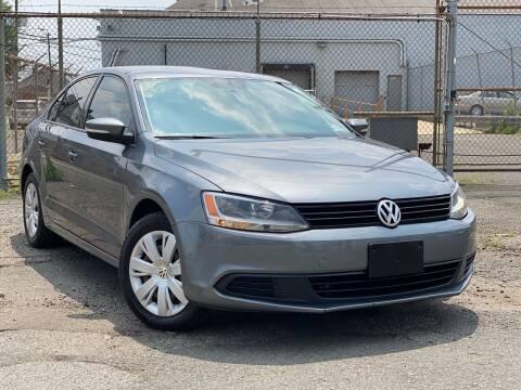2014 Volkswagen Jetta for sale at Illinois Auto Sales in Paterson NJ