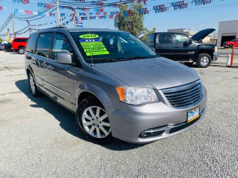 2014 Chrysler Town and Country for sale at LA PLAYITA AUTO SALES INC - Tulare Lot in Tulare CA