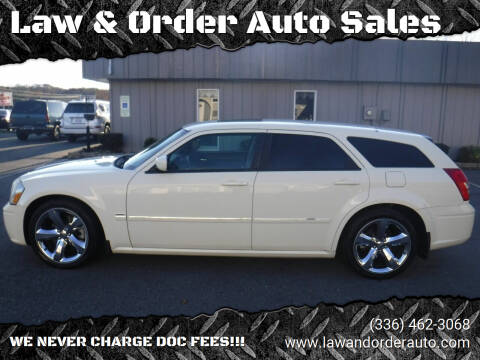 2005 Dodge Magnum for sale at Law & Order Auto Sales in Pilot Mountain NC