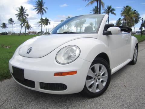 2009 Volkswagen New Beetle Convertible for sale at FLORIDACARSTOGO in West Palm Beach FL