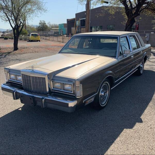 1987 Lincoln Town Car for sale at STARLITE AUTO SALES LLC in Amelia OH