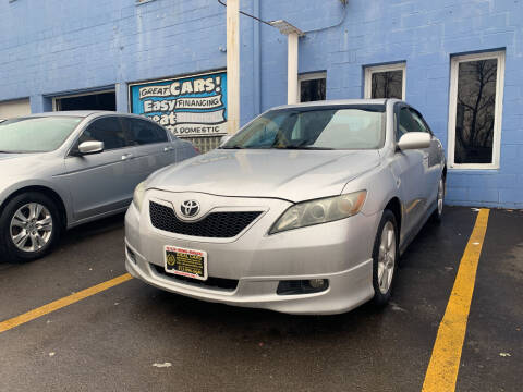 2009 Toyota Camry for sale at Ideal Cars in Hamilton OH