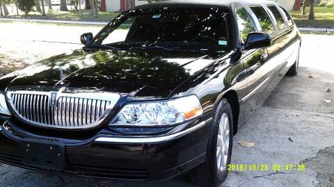 2004 Lincoln Town Car for sale at LAND & SEA BROKERS INC in Deerfield FL
