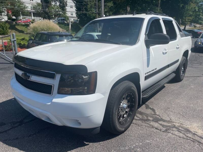 2007 Chevrolet Avalanche for sale at Premier Automart in Milford MA